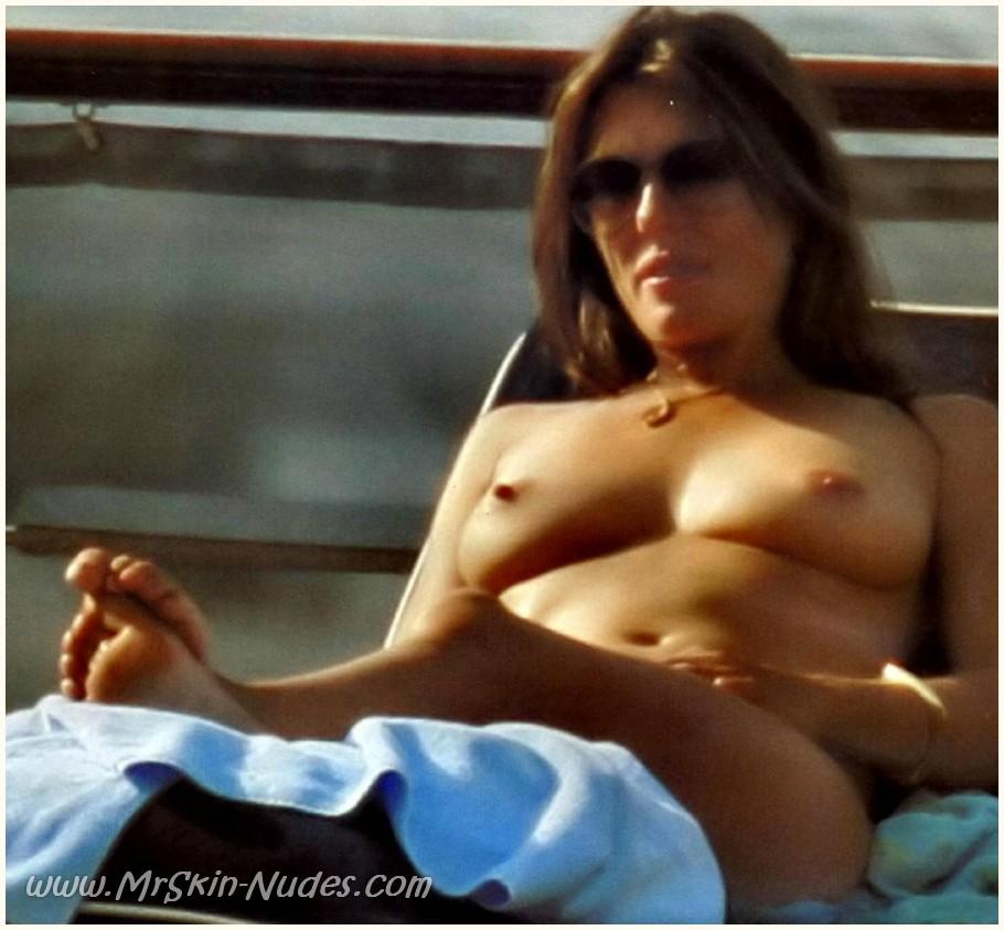 busty thai girls nude