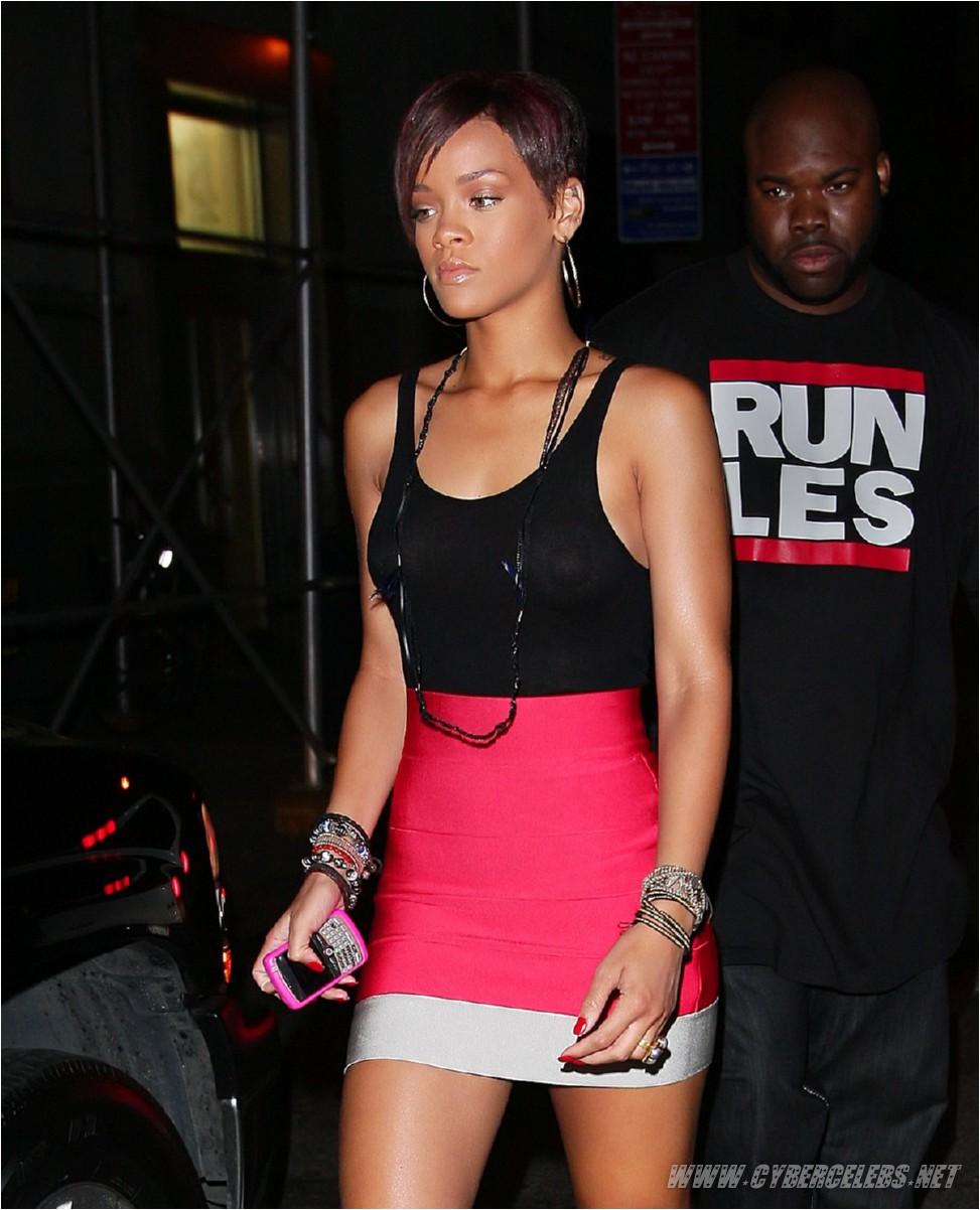Rihanna15. - 197 kb