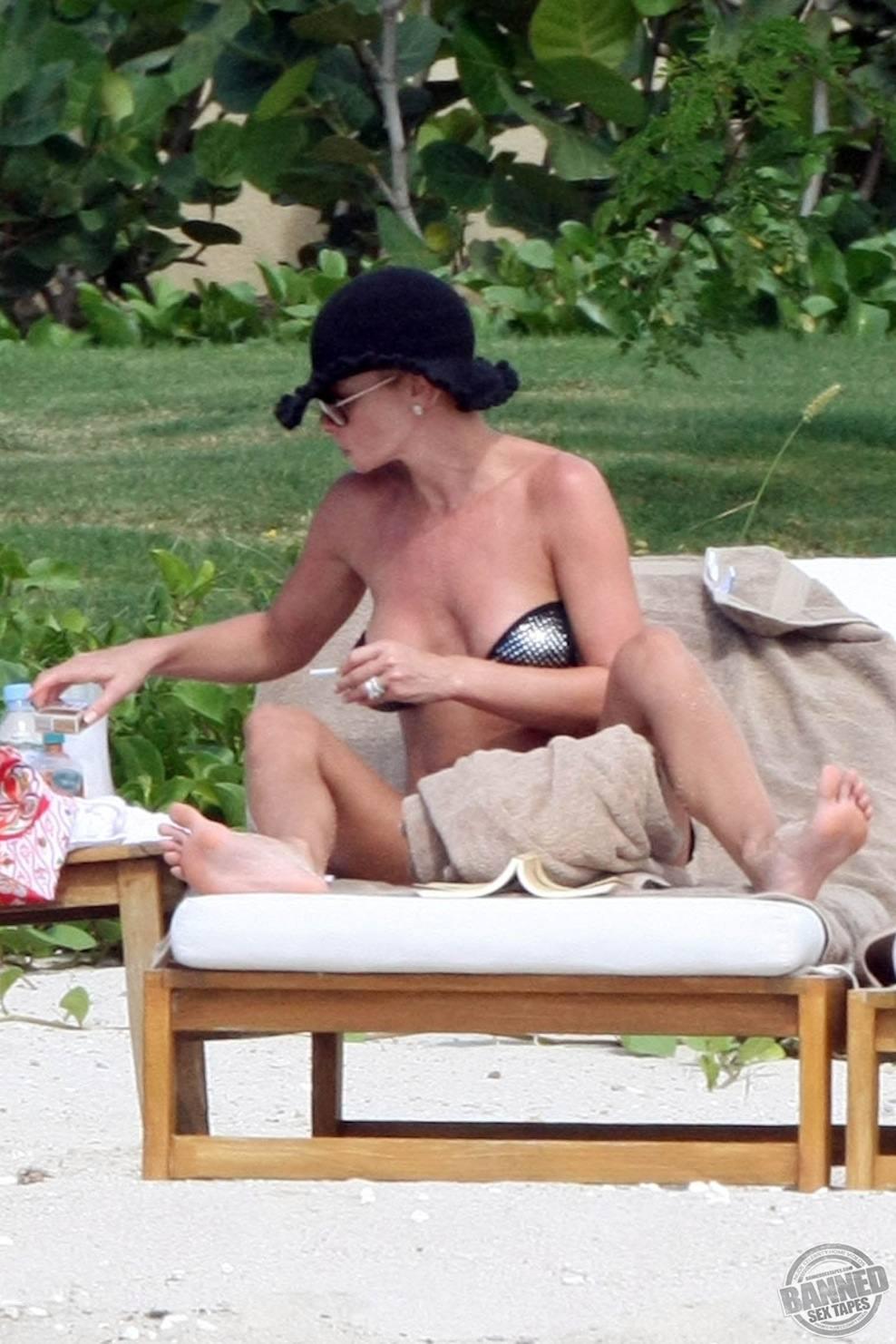 Jaime Pressly Nude Pictures: www.mrnudes.com/bannedsextapes/jaime-pressly