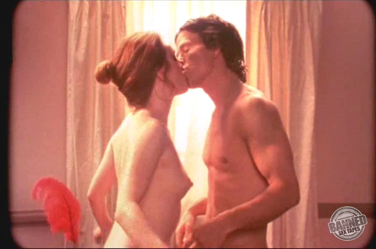 julianne moore fully naked at largest celebrities archive