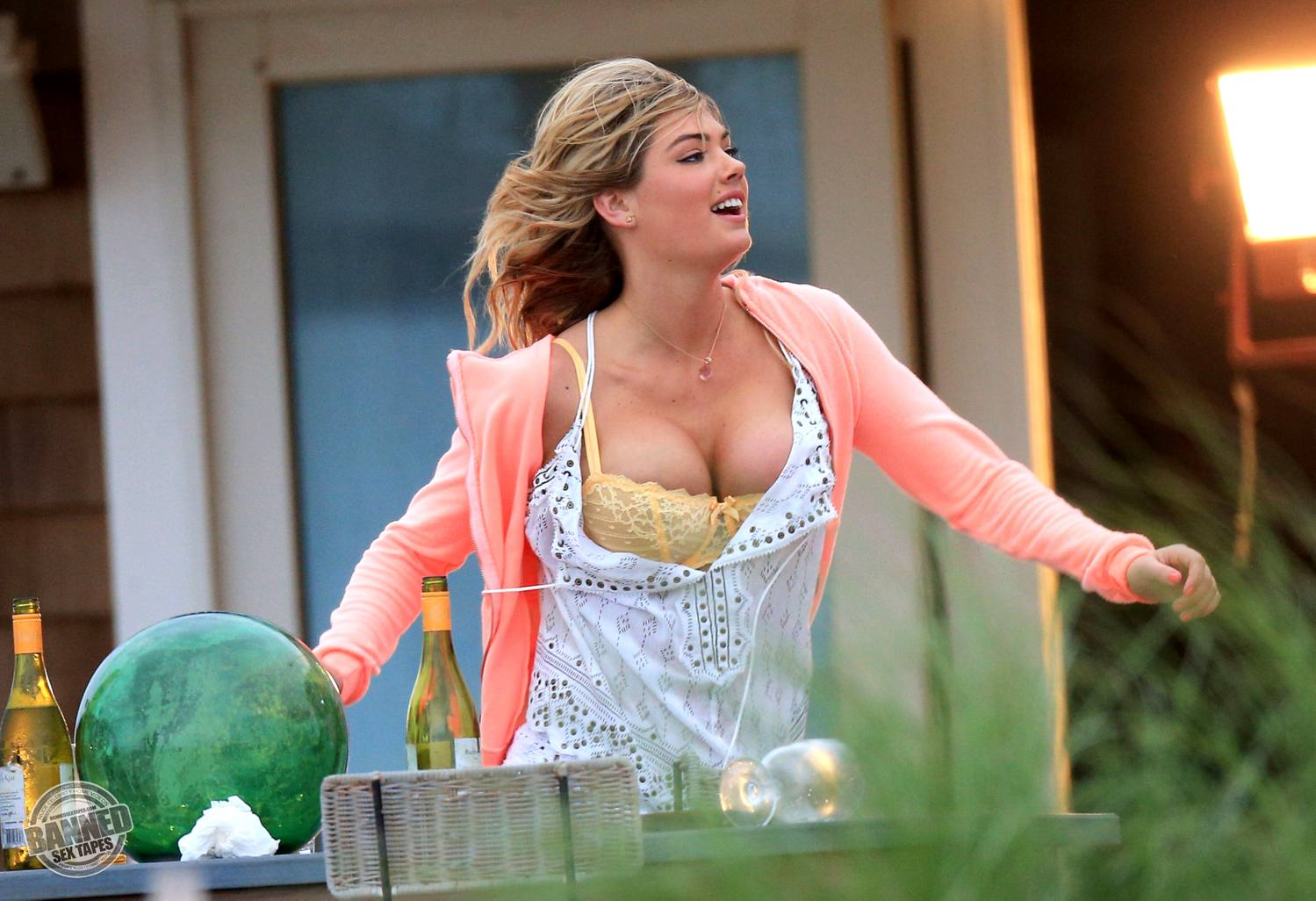 Kate upton fully naked at largest celebrities archive